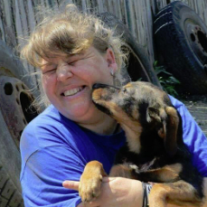 Alina Ghica Tierschützer in Rumänien vor Ort,